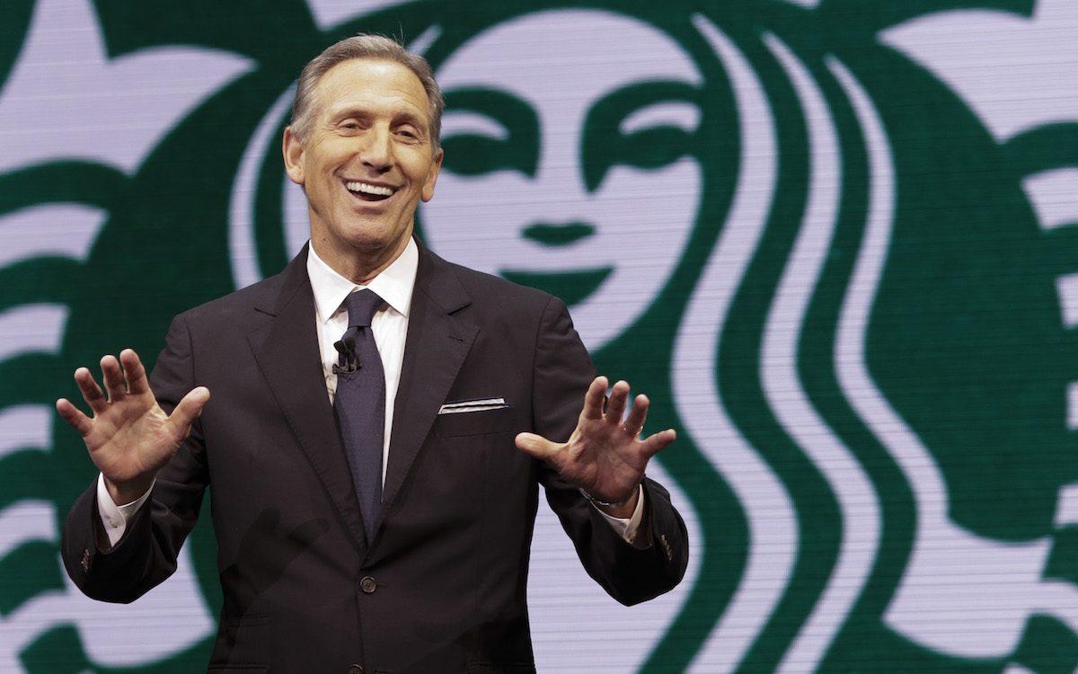 Cựu chủ tịch Starbucks Howard Schultz: 'Hãy luôn tin tưởng vào bản thân và thành công sẽ đến với bạn'