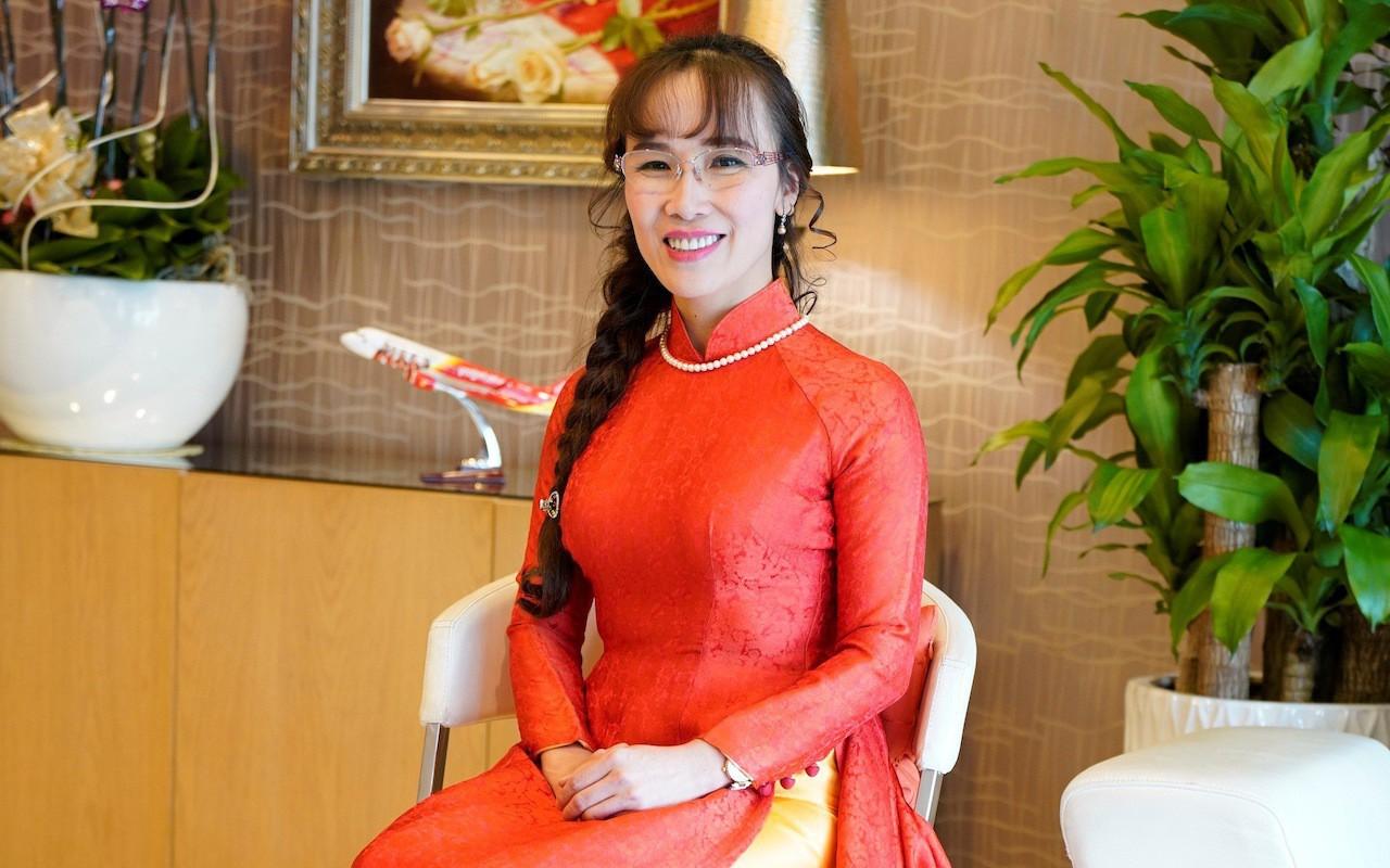 """Triết lý """"4 xin, 4 luôn"""" tại Vietjet Air của tỷ phú Nguyễn Thị Phương Thảo"""